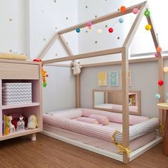 Considering the Montessori approach for your child? Check out our Montessori Baby Room collection and get inspired! Big Girl Rooms, Boy Room, Kids Rooms, Child Room, Small Rooms, Small Space, Baby Bedroom, Girls Bedroom, Master Bedroom