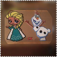 Von mir geperlt Vorlagen hier bei Pinterrest Elsa und Olaf von Eiskönigin mit Bügelperlen  (Frozen)