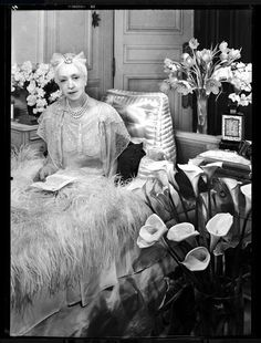 Lady Mendl, 1939 by François Kollar (via) Elsie De Wolfe, Miss Elizabeth, Elsa Schiaparelli, Word Pictures, Strike A Pose, Victorian Era, American Actress, Photos, Marriage