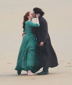 Ross and Demelza appear cozy and loved up during filming