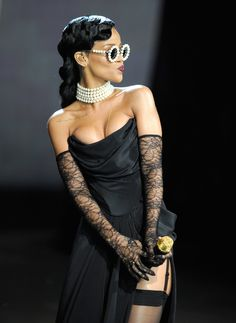 Rihanna performing at the Victoria's Secret Fashion Show. Big fan of her #pearl accessories!  Source: wireimage.com