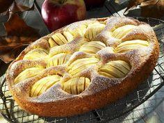 Eine echte Versuchung, die Ihr unbedingt kosten solltet: Versunkener Apfelkuchen - smarter - Zeit: 30 Min. | eatsmarter.de