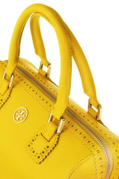 Take a sneak peak at the newest Accessories & Shoe styles available Spring 2013 from Designer Tory Burch. Jaune Orange, Mellow Yellow, Color Yellow, Bright Yellow, Yellow Fashion, Shades Of Yellow, Tory Burch Bag, Purses And Handbags, Leather Handbags