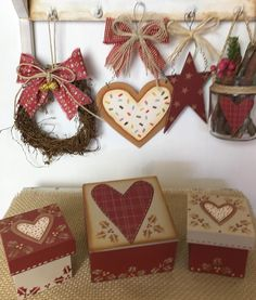 Valentine Decorations, Valentine Crafts, Christmas Crafts, Christmas Decorations, Xmas, Valentines, Holiday Decor, Decoupage, Country Paintings