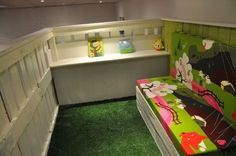 kid house from pallets7 DIY : pallet kid house project photo