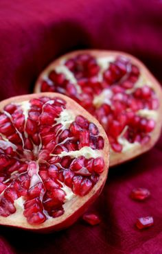 Food porn shot of pomegranates. These things taste good but are so hard to eat. Nearly not worth it.