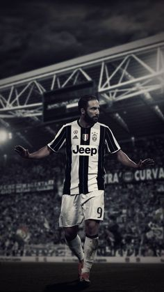 375bd9567b3 14 Best JUVENTUS images | Football soccer, Football players, Soccer
