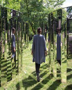 Jeppe Hein, Mirror Labyrinth NY, part of the Public Art Fund at Brooklyn Bridge Park Program. Art Journal Pages, Art Public, Spring In New York, Brooklyn Bridge Park, Brooklyn Heights, Art Fund, Demon Art, Mirror Art, Mirror Image