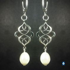 ♥ EASY SHIP TO USA Elegant Natural Ivory Baroque Pearl Plated Silver Earrings