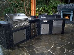 This would be perfect for my outdoor studio!!  Custom Outdoor Kitchen Premier Built - in