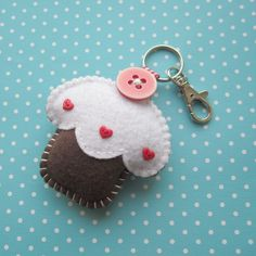 Cupcake Keyring. Girls would love making this. Use as zipper pull for backpack/purse/duffel bag