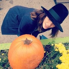 Daily Alexa Chung-LOVE THE HAT!!!