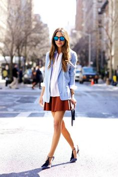 I have a pencil skirt this color. I like the navy shoes with it.