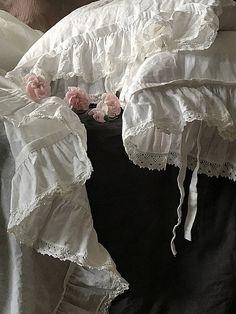 Pure linen pillowcase 'Madeleine' with ruffle linen