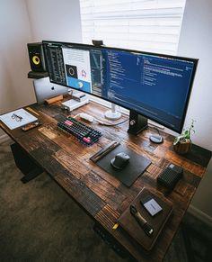 8 Cheap Things to Maximize a Small Bedroom . Modern Home Office Desk, Home Office Setup, Home Office Space, Home Office Design, Home Interior Design, Computer Desk Setup, Gaming Room Setup, Configuration Home Studio, Bedroom Setup