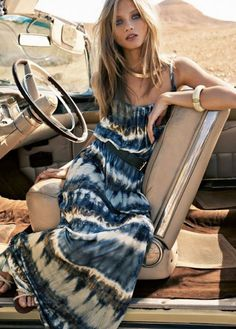 Boho chic fashion, modern hippie style, blue tie dyed dress- For MORE new… Hippie Style, Ethno Style, Gypsy Style, Hippie Chic, Hippie Masa, Modern Hippie, Anna Selezneva, Safari Chic, Look Boho