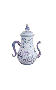 Hand Blown Glass Teapot will be one of the best pieces you can have at your tea time.  A beautiful teapot to create the best aura for a relaxing tea and a happy time with loved ones.  #homedecor #interior #tableware #handblownglasss #glass #teapot