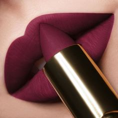 Make-up is among the indispensable parts of women in their daily lives or when they Lipgloss, Lipstick Swatches, Makeup Lipstick, Lip Gloss Colors, Lip Colors, Matte Lip Color, Maquillage Kylie Jenner, Orange Lips, Best Lipsticks