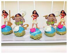 Moana Birthday Party Theme, Birthday Board, Birthday Parties, 7th Birthday, Birthday Ideas, Moana Party Decorations, Baileys Cake, Family Cake, Edible Arrangements