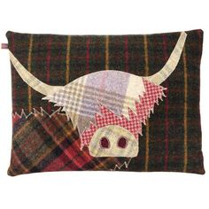 Unique tartan accessories for your home made in Scotland. From cute tartan doggie doorstops to bedlinen and Highland Cow cushions to tartan garlands perfect for Christmas. Applique Cushions, Patchwork Cushion, Applique Fabric, Sewing Pillows, Applique Patterns, Applique Designs, Embroidery Applique, Quilt Patterns, Applique Ideas