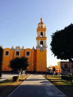 Iglesia en Cholula, Puebla, Mexico.