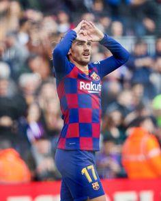Antoine Griezmann at FC Barcelona Camp Nou, Fc Barcelona, International Teams, Antoine Griezmann, American Football, My Man, Messi, Premier League, Soccer