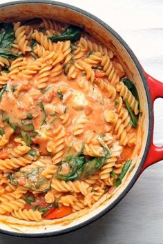 This one pot pasta has a luxurious tomato and mascarpone sauce, spinach and fresh basil. A 30 minute vegetarian dinner- perfect for dinner ideas meatless recipes One Pot Pasta with Tomato & Mascarpone Sauce Veggie Recipes, Cooking Recipes, Healthy Recipes, One Pot Recipes, Fast Recipes, Noodle Recipes, Family Recipes, Recipes Dinner, Healthy Pregnancy Recipes
