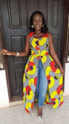 Top imprimé Ankara / prêt à expédier par AdinkraExpo sur Etsy More African Inspired Fashion, African Print Fashion, Africa Fashion, Fashion Prints, Tribal Fashion, African Print Dresses, African Fashion Dresses, African Dress, African Prints
