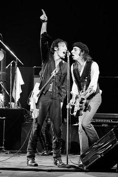 Bruce Springsteen and Steve Van Zandt, 1978 © Lynn Goldsmith Rock Games, Bruce Springsteen The Boss, Van Zandt, Rock Album Covers, Memphis May Fire, Austin Carlile, E Street Band, Chris Tomlin, Mikey Way