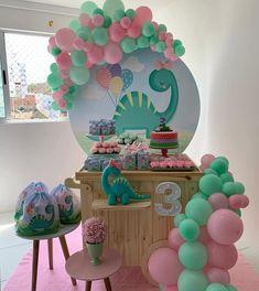 1st Birthday Girl Decorations, 3rd Birthday Parties, Birthday Fun, Third Birthday, Die Dinos Baby, Dinosaur Birthday Cakes, Barbie Birthday, Ideas, Girl Dinosaur Birthday