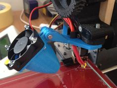 Adjustable Blower-Fan Mount for Prusa i3 Greg's Wade Extruder (Tweaked version) by masteruan