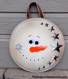 Christmas Pizza Pan Door Hangs & Christmas Pizza Pan Door Hangs Materials: Dollar Store pizza pans ...