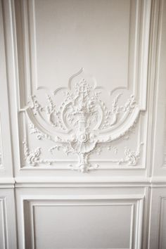Today's doors are mass produced and available in several panel styles. Why not make a design statement and transform ordinary doors into elegant architectural elements. Architecture Details, Interior Architecture, Interior And Exterior, Georgian Architecture, Interior Trim, Trumeau, Wall Molding, Moldings, Panel Moulding