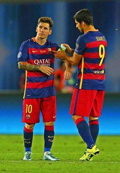A falta de Messi, doblete de Suarez. El liderazgo no se hace, eso nace. En 2 meses lo tendrá Luis. #fuerzaMessi