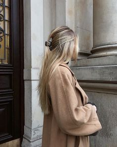 Burberrys vintage camel hair coat and hairclip Style Inspo My Hairstyle, Pretty Hairstyles, Formal Hairstyles, Ponytail Hairstyles, Hairstyles Videos, Wedding Hairstyles, Medium Hairstyles, Everyday Hairstyles, Weave Hairstyles