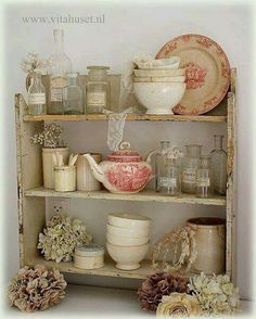 9 Simple and Ridiculous Tips Can Change Your Life: Shabby Chic Wardrobe Colour shabby chic mirror bathroom.Shabby Chic Mirror Grey shabby chic table entry ways. Decor, Shabby Chic Living Room, Chic Kitchen, Cottage Decor, Chic Decor, Shabby Cottage, Vintage Decor, Shabby Chic Furniture, Shabby Chic Living