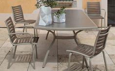 Salon de jardin repas Stack en résine tressée marron - mes-meubles-jardin.fr