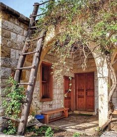 Hello 👋🏻 Photo by Patricia Abi Gerges Main Entrance, House Entrance, Beautiful World, Beautiful Homes, Castle House, French Chateau, Old Buildings, Lebanon, Traditional House