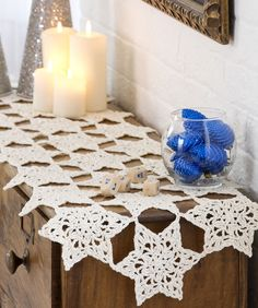 Star Table Runner - Lovely lacy snowflakes add charm to tabletop or mantle. Worked in size 3 thread, and joined as you crochet, this will add elegance to your holiday. #free #crochet #Pattern