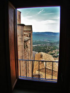 Ventana abierta by marian950, via Flickr
