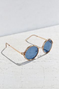 Both Worlds Round Sunglasses - Urban Outfitters
