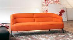 Überall ruhig und gelassen behauptet sich das #Sofa #Oden von #Wittmann.