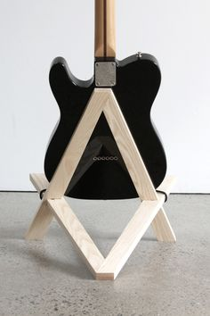 Stol electric guitar stand in solid ash