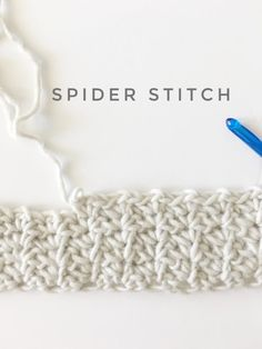 Daisy Farm Crafts This is a free pattern for the crochet spider stitch. This is another classic crochet stitch that has been around for years and I love discovering them! Especially when they are easy to learn and produce great results! Crochet Afghans, Crochet Diy, Easy Crochet Projects, Crochet Stitches Patterns, Tunisian Crochet, Knitting Stitches, Crochet Crafts, Crochet Hooks, Knitting Patterns