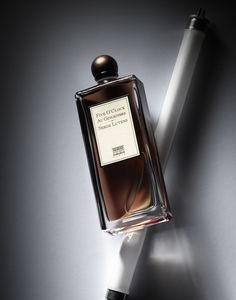 Five O'clock au Gingembre - Serge Lutens (photo David Lewis Taylor) Still Life Photography, Beauty Photography, Product Photography, Perfume Store, Perfume Bottles, Aroma Tools, Perfume Recipes, Perfume And Cologne, Modern Essentials