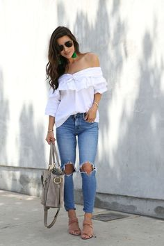 Outfits ideas & inspiration : Today you will know the best Blouse Designs that you should have this season, so you can look completely on Trend. Night Outfits, Casual Outfits, Cute Outfits, Fashion Outfits, Spring Summer Trends, Spring Summer Fashion, Spring Outfits, Anna Wintour, Bright Blue Dresses