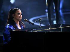 Celebrity Jewelry, Celebrity Style, Demi Lovato Live, Fashion News, Fashion Beauty, Demi Lovato Pictures, Music Tabs, Purple Suits, Billboard Music Awards