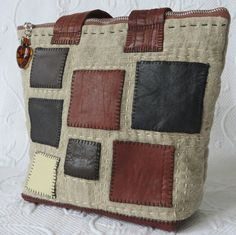 Leather patchwork linen bag Small linen purse от HobbsHillQuilts Leather Scraps, Leather Bag, My Sewing Room, Sewing Rooms, Quilt Batting, Linen Bag, Cotton Quilts, Zipper Pulls, Small Bags