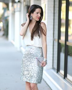 Who doesn't love a little sparkle? Stephanie shows us how to use soft shades and a little sequins to WOW on date night over on her blog, Diary of a Debutante! 2/3/16