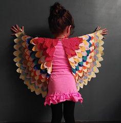 DIY owl wings tutorial and 14 other DIY halloween costume ideas for kids on www…. DIY owl wings tutorial and 14 other DIY halloween costume ideas for kids on www. Carnaval Diy, Kids Crafts, Owl Crafts, Bird Wings Costume, Parrot Costume, Robin Costume, Owl Wings, Wings Diy, Angel Wings